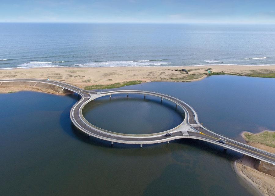 Мост в лагуне Гарсон