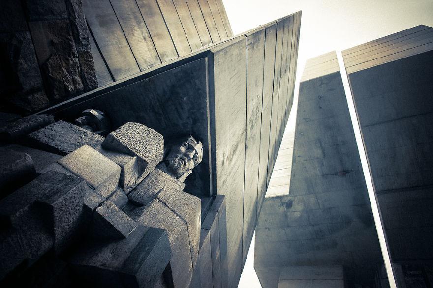 """Монумент """"1300 лет Болгарии"""" или """"Создатели болгарского государства"""""""