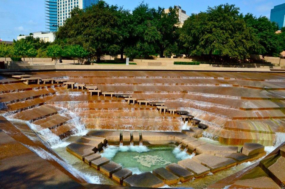 Fort Worth Water Gardens в Техасе